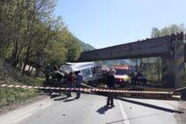 Accident rutier grav la Tarcău! O persoană a decedat, iar alte 3 au fost rănite.