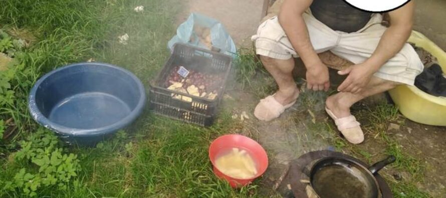Un bărbat și-a improvizat un adăpost pe Aleea Tiparului și a deranjat locatarii din zonă prin diverse injurii și obscenități