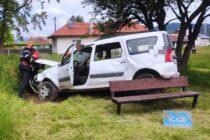 Un autoturism s-a răsturnat în curtea unei grădinițe din Piatra Neamț