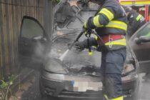 Un autoturism a luat foc în zona Dărmănești din Piatra Neamț