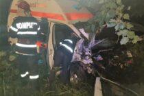 Accident rutier grav între un autoturism și o ambulanță la Săbăoani
