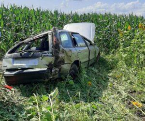 Un autoturism s-a răsturnat într-un lan de porumb, 4 adolescenți au fost răniți