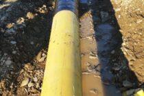Niște muncitori au avariat o conductă de gaz în comuna Horia, lângă calea ferată
