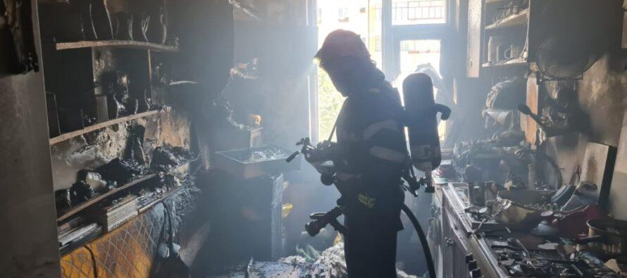 Incendiu la un apartament din Piatra Neamț provocat de un scurtcircuit