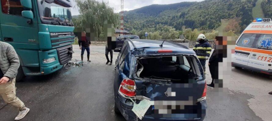 Accident rutier între un autoturism și un TIR în comuna Ceahlău