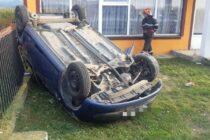 O femeie de 35 de ani s-a răsturnat cu mașina pe strada Izvoare