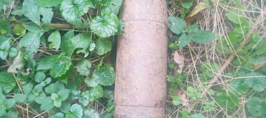 Un adolescent a descoperit un proiectil neexplodat într-o pădure din Boghicea