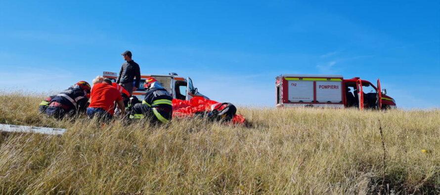Un bărbat s-a prăbușit cu parapanta pe un deal din localitatea Ștefan cel Mare